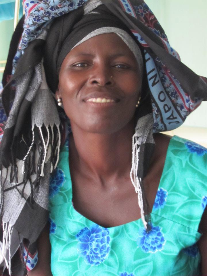Krásna africká žena so šatkou na hlave